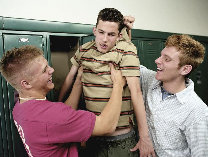 Adolescentes con malas actitudes